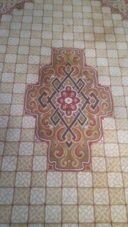Продавам килим