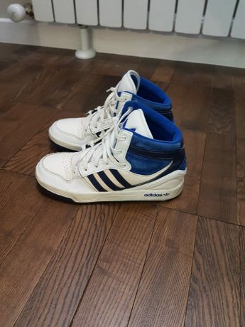Продам кроссовки  Адидас теплые 35 размера