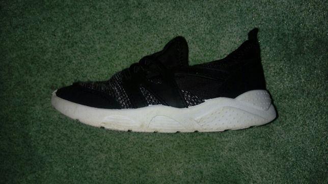 Pantofi sport nr.27