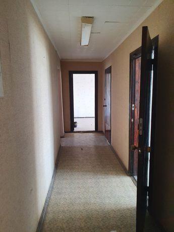 Продаётся 7 комнатное помещение под любой вид деятельности в центре.