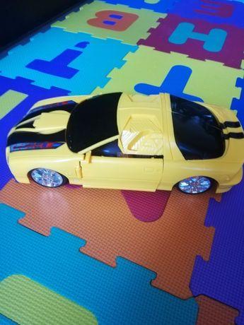 Vând mașină robot Bumblebee Transformers 39 cm
