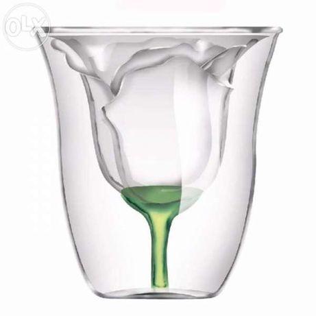 Стъклена чаша Роза