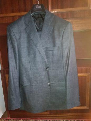 Продам муж костюм 54 р