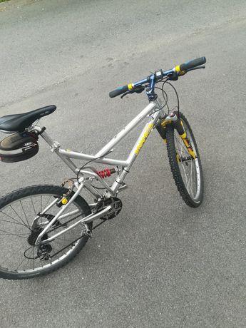 MTB full suspension M - mountain bike suspensie fata spate Dynamics