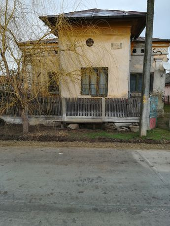 Vând Casa În Comuna Apele Vii