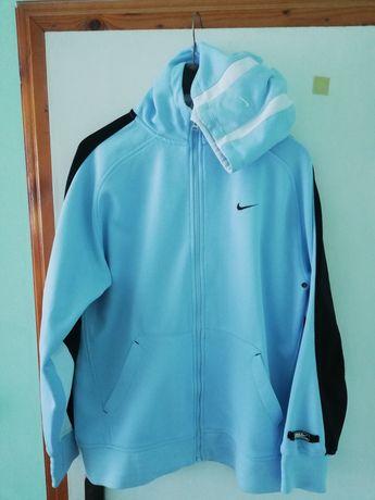 Продавам използвани спортни дрехи Nike, Adidas