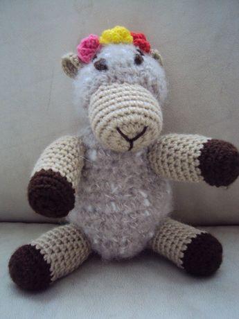 Ръчно плетена овца