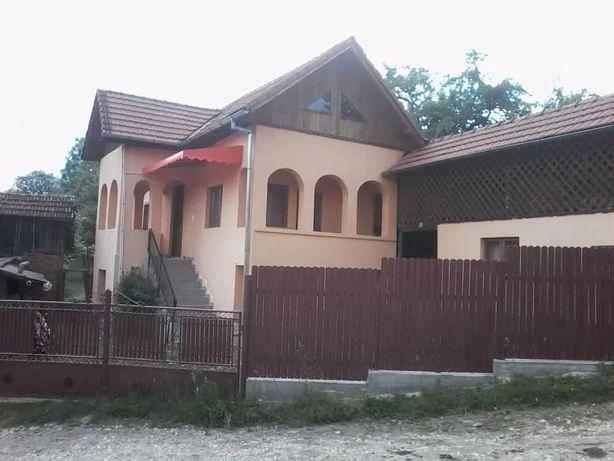 Casa comuna Stoenesti, Arges
