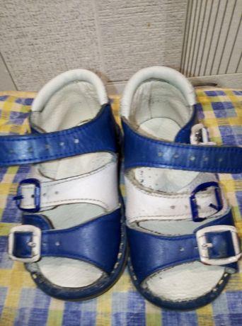 Продам детскую обувь ортопеды