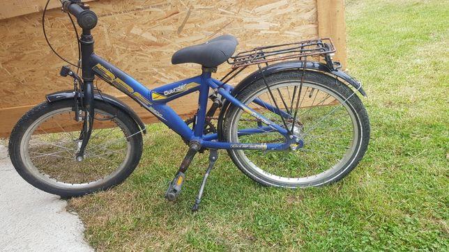 Vând bicicleta de copii 5 si 7 anișori
