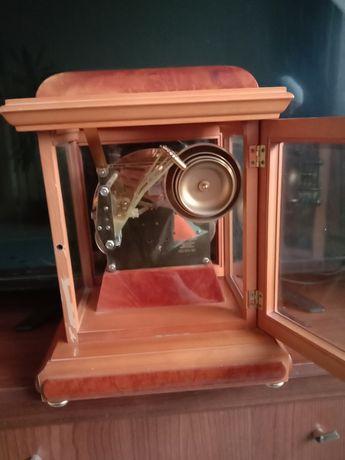 Продам Германскии часы механическая