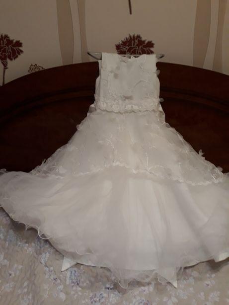 Платья нарядные для девочек