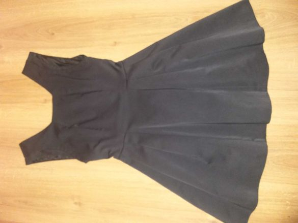 Черна рокля Zara xs размер
