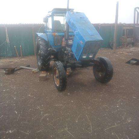 Трактор МТЗ 80 на ходу