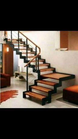 Лестница, перилла из металла