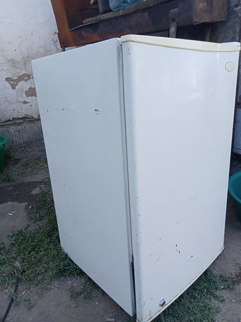 Холодильник сатамын состояние жаксы.бари истеп тур.морозка катырады