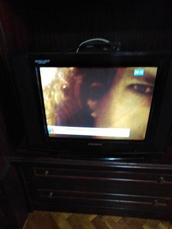 Телевизор CROWN като нов