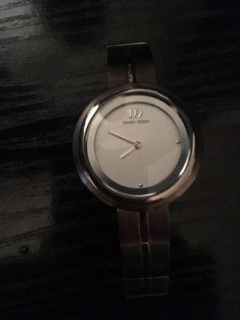 Дамски часовник Дениш дизайн