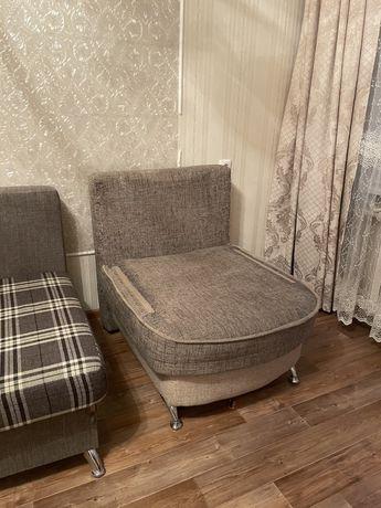 2 кресла за 7500 (раздвигается как кровать)