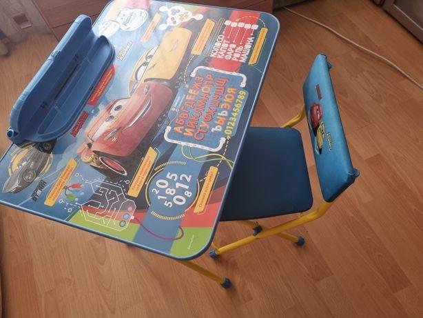Стол и стульчик фирмы Ника