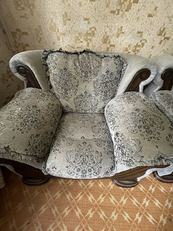 Мягкий уголок, диван и кресла