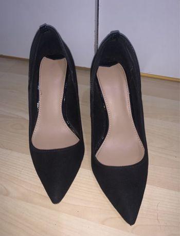 Pantofi stileto nude de lac sau negrii