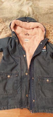 Куртка на девочку джинсовая.