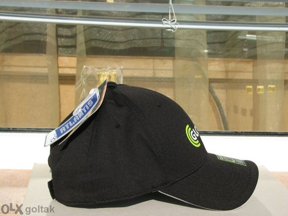 Чисто нови шапки с козирка Черно и сиво с рекламен надпис хубави