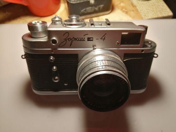 Vând aparat de poze vechi zorki
