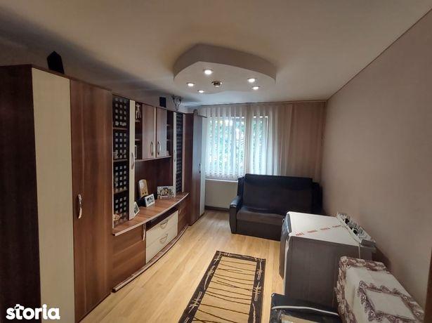 Apartament 3 Camere, Renovat, Etaj 1 - zona Stadionului