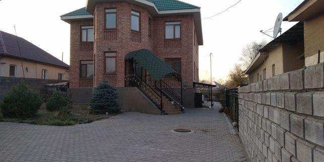 Очень теплый хороший дом
