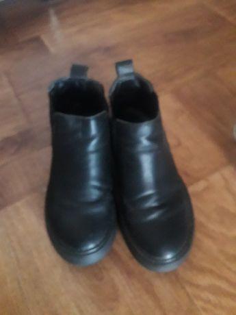 Продам осенный ботинка