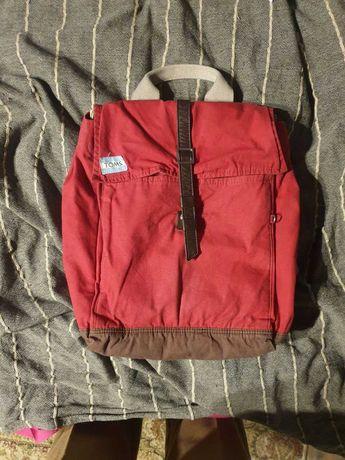 Рюкзак бренда TOMS