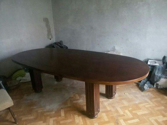 Масивна заседателна маса от дъб