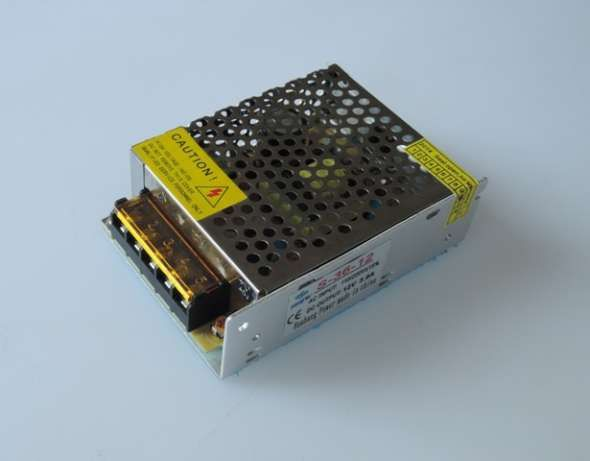 блок питания от камеры видео-наблюдения и на свето-диодную ленту для