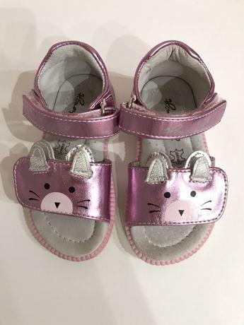 сандалики для девочки