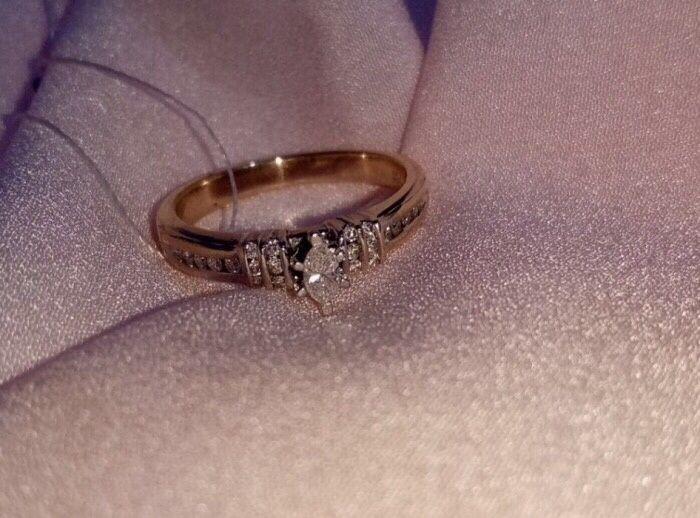 Кольцо из желтого золота с бриллиантами (Италия)