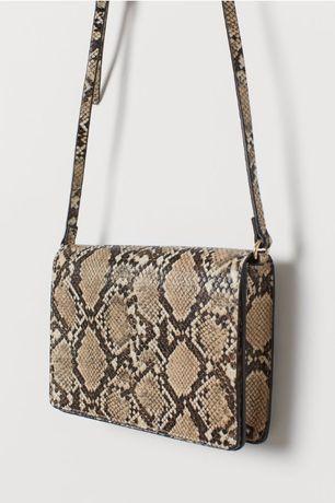 Естественна кожа чанта с модерен принт змия
