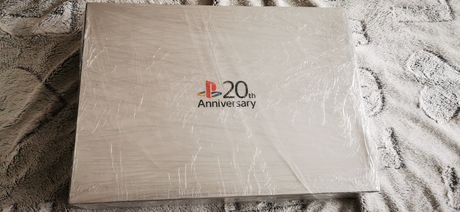 Playstation 4 20th anniversary (9.500 lei)