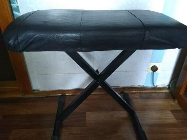 Фортепианный стул