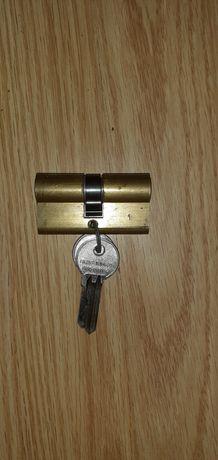 Butuc de Urbis ca nou din 1985 cu 2 chei
