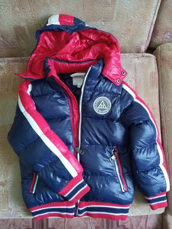 Продам детскую куртку весна-осень