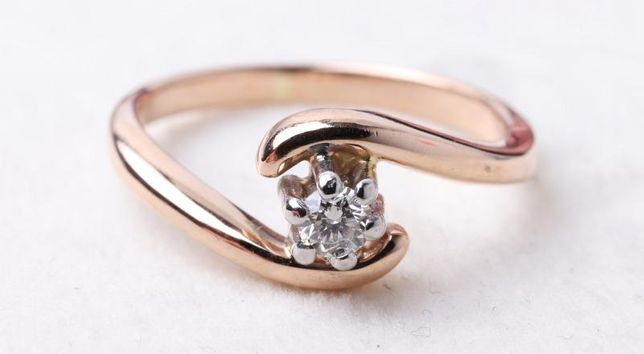0% Кольцо с бриллиантом, золото 585 (14K), вес 2.30 г. «Ломбард Белый»
