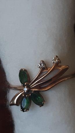 Продам золотое кольцо с изумрудом, размер 18, Россия