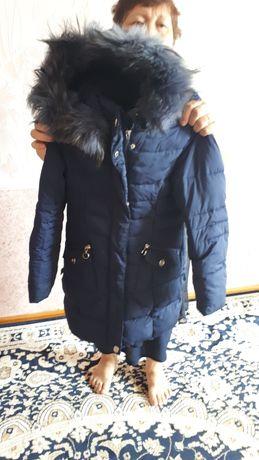 Продам детский зимний пуховик недорого