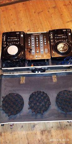 Диджейский комплект AMERICAN AUDIO с кейсом