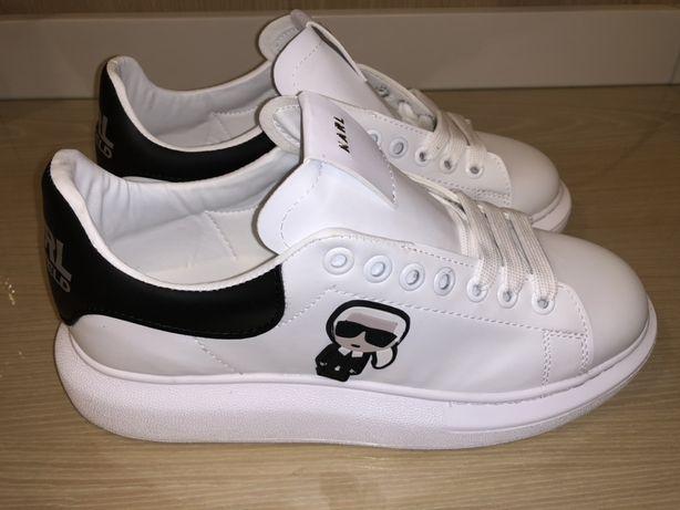 Pantofi sport Karl Lagerfeld !!! Mărimi disponibile : 36, 37, 38, 39,