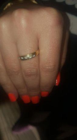 inel aur 18 k cu diamante