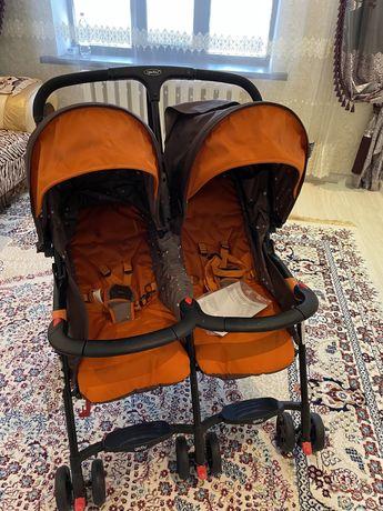 коляска для близняшек