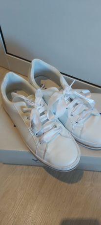 Обувки Graceland от Deichmann